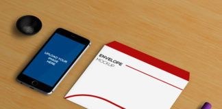 Free PSD smartphone mockup with envelop and marker