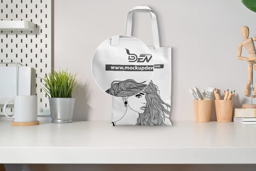 Free Sketch Print Canvas Bag Mockup