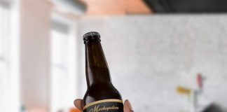 Free Beer Labeling Mockup PSD Template