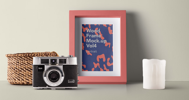 A Camera Placed On The Wooden Frame PSD Template.