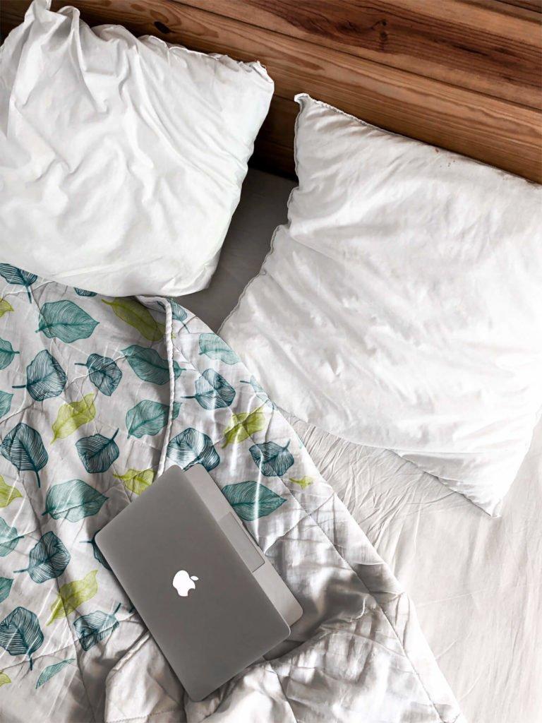 Free Fleece Blanket Mockup PSD Template