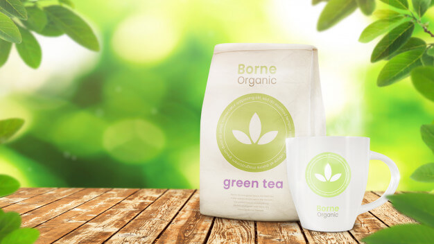 Product packaging mockup and cup mockup on organic leafy Premium Psd