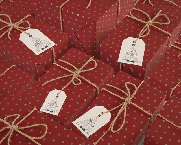 Same sized gifts wrapped in red paper Free Psd
