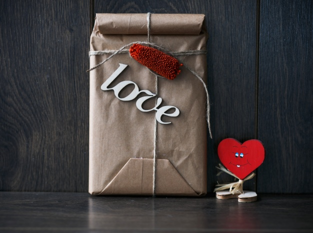 Love word On the brown bag Mockup