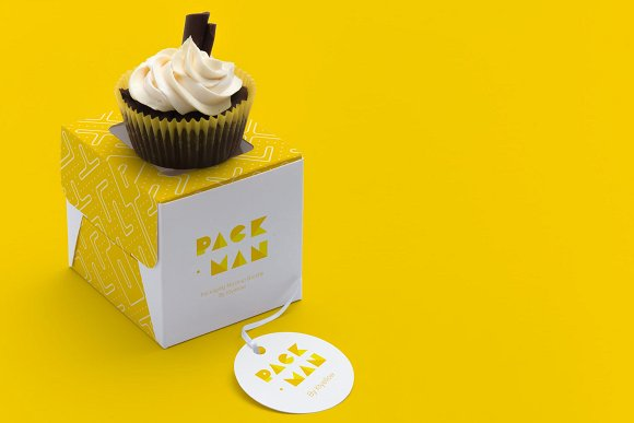 Small Cupcake with a box Mockup PSD