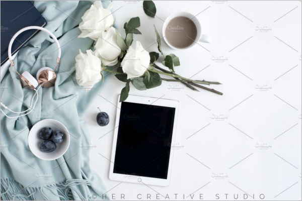 Headphone With Flower Mockup PSD