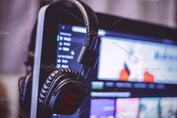 Photorealistic Headphone PSD Mockup