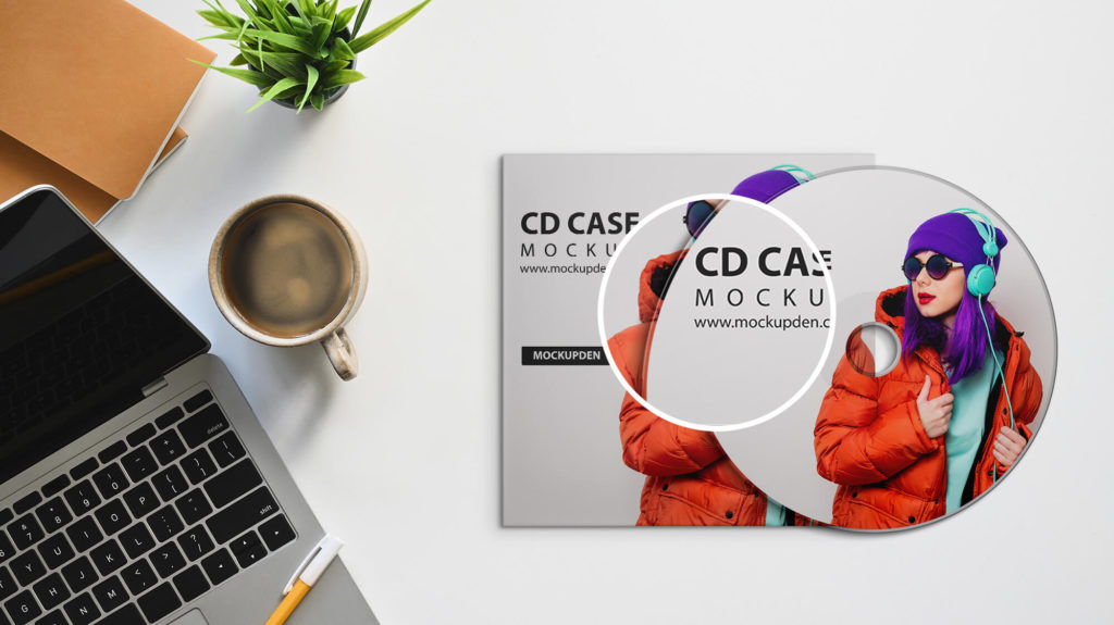 Close Up Of a Free Cd Case Mockup PSD Template