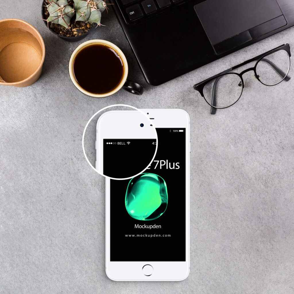 Close Up Of a Free iPhone 7Plus Mockup PSD Template