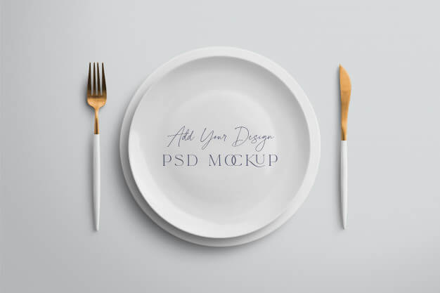 Plate mockup with fork and knife Premium Psd (1)