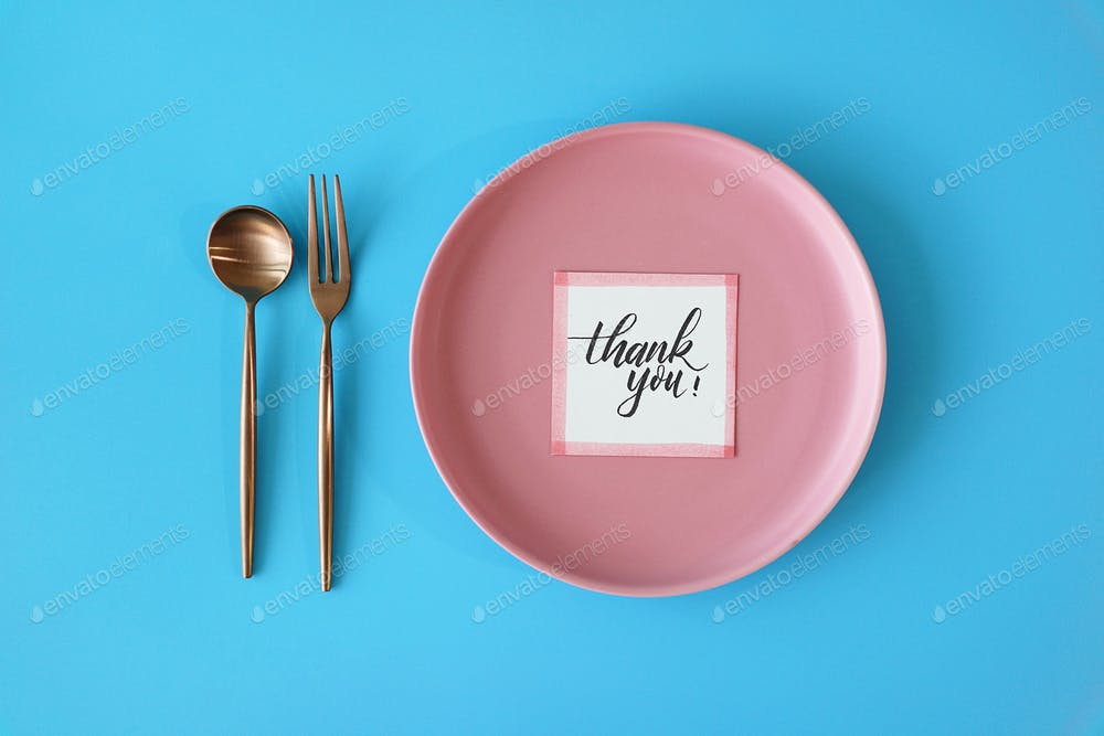Table setting, meal preparation with Thank You card on round plate. (1)