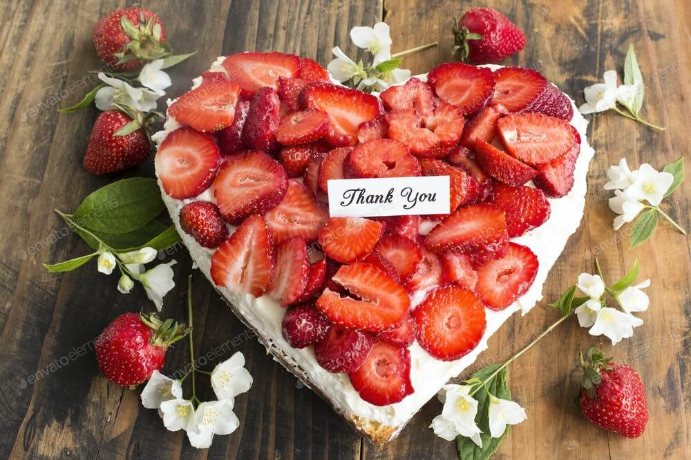 Thank You Card with Heart Cheesecake with Strawberries (1)