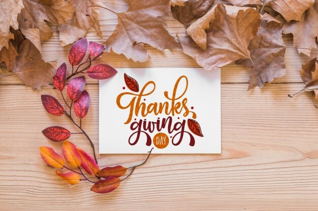 Thanksgiving mockup with greeting card Free Psd (1)