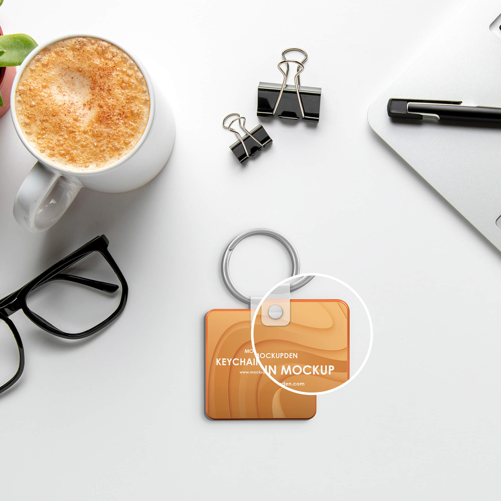 Close Up Of a Free Keychain Mockup PSD Template