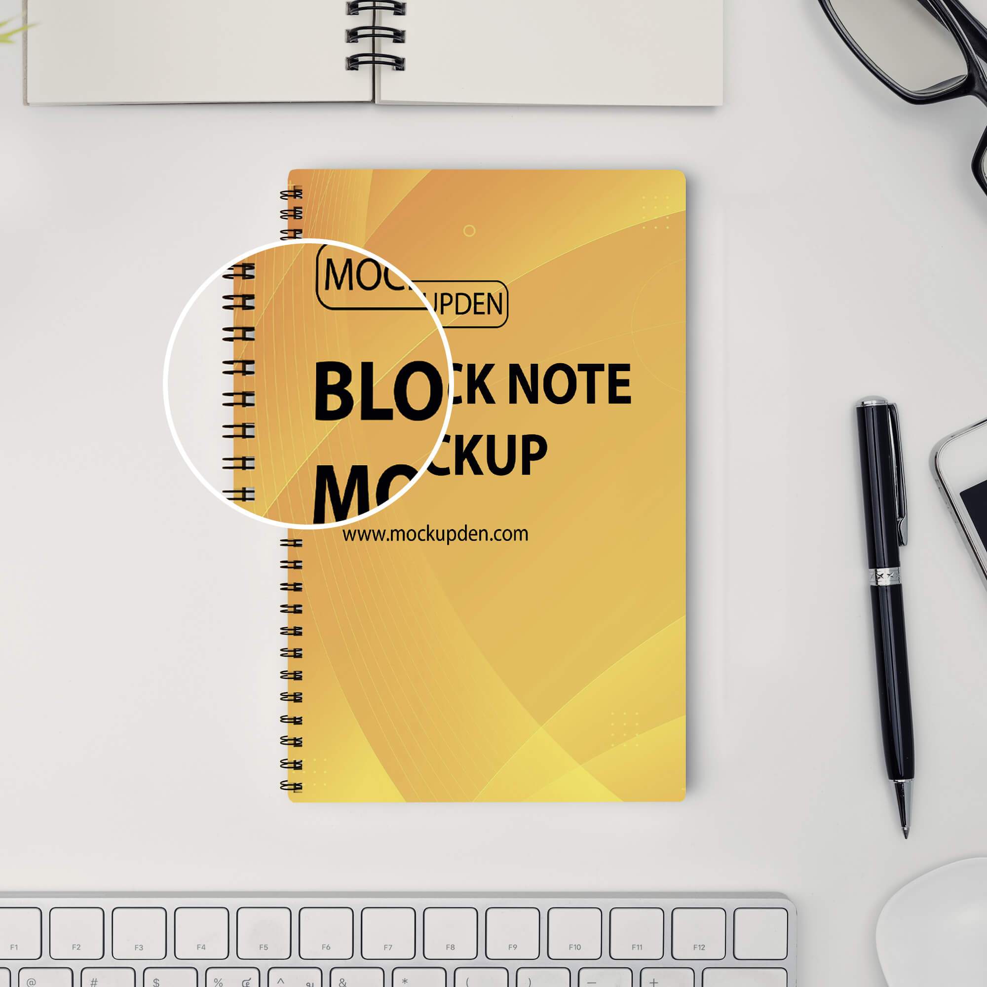 Close Up Of a Free Block Note Mockup PSD Template