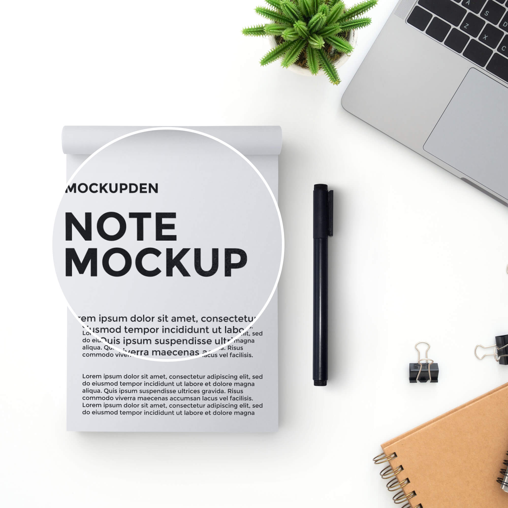Close Up Of a Free Note Mockup PSD Template