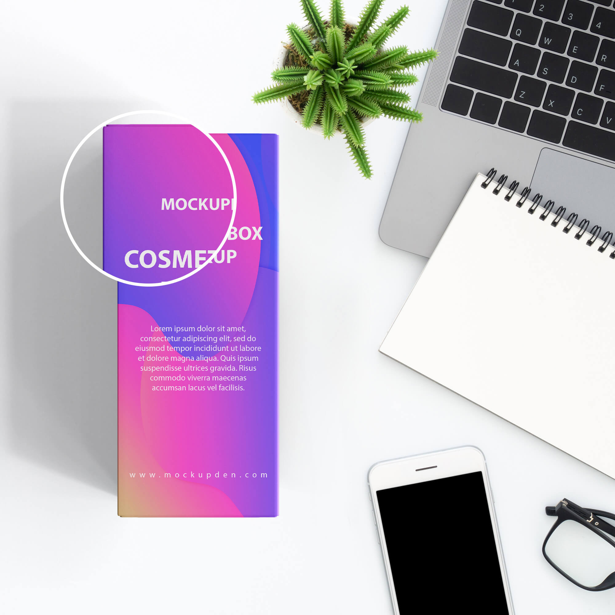 Close Up Of a Free Cosmetic Box Mockup PSD Template