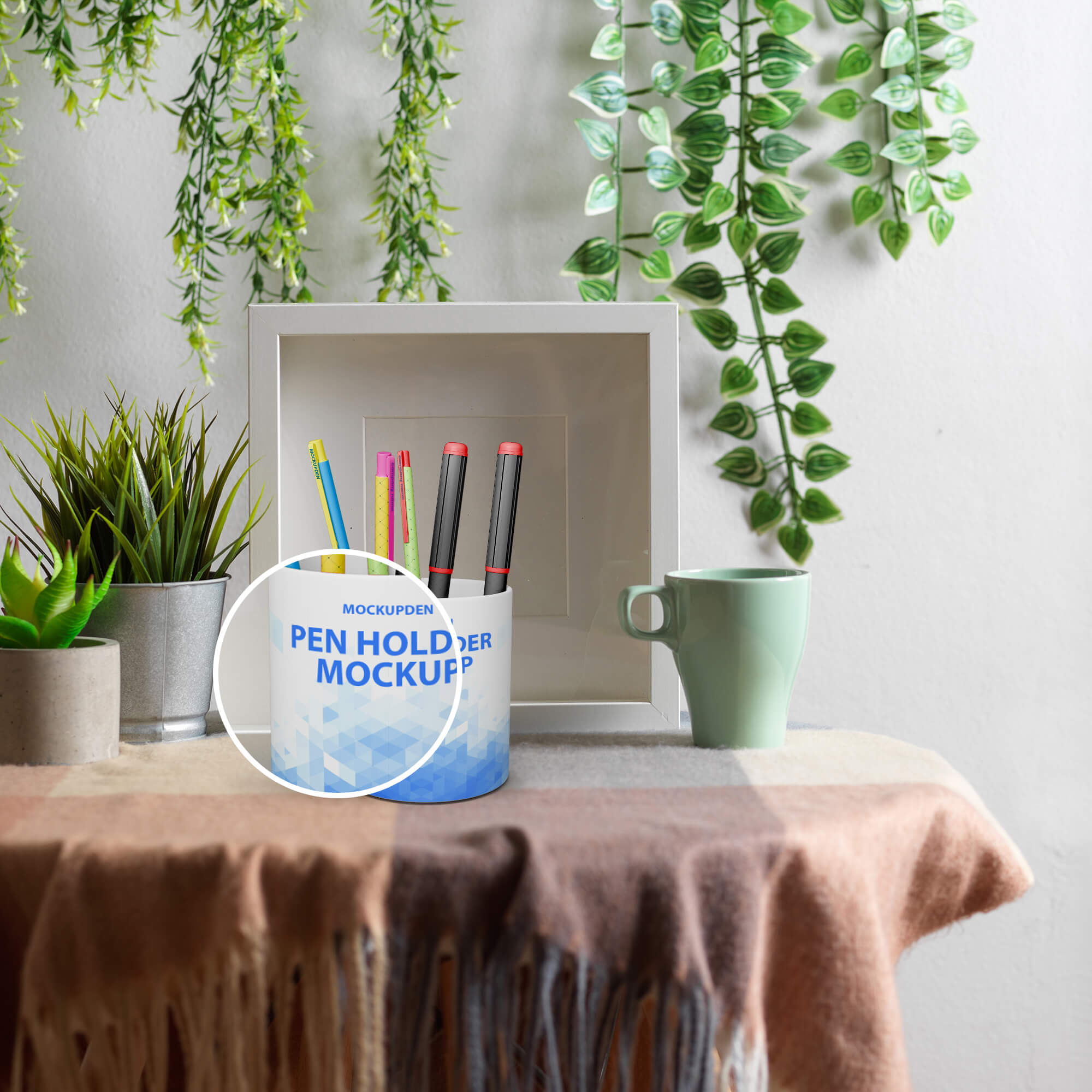 Close Up Of a Free Pen Holder Mockup PSD Template