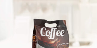 Free Coffee Packaging Mockup PSD Template (2)