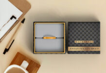 Free Jewelry Packaging Mockup PSD Template