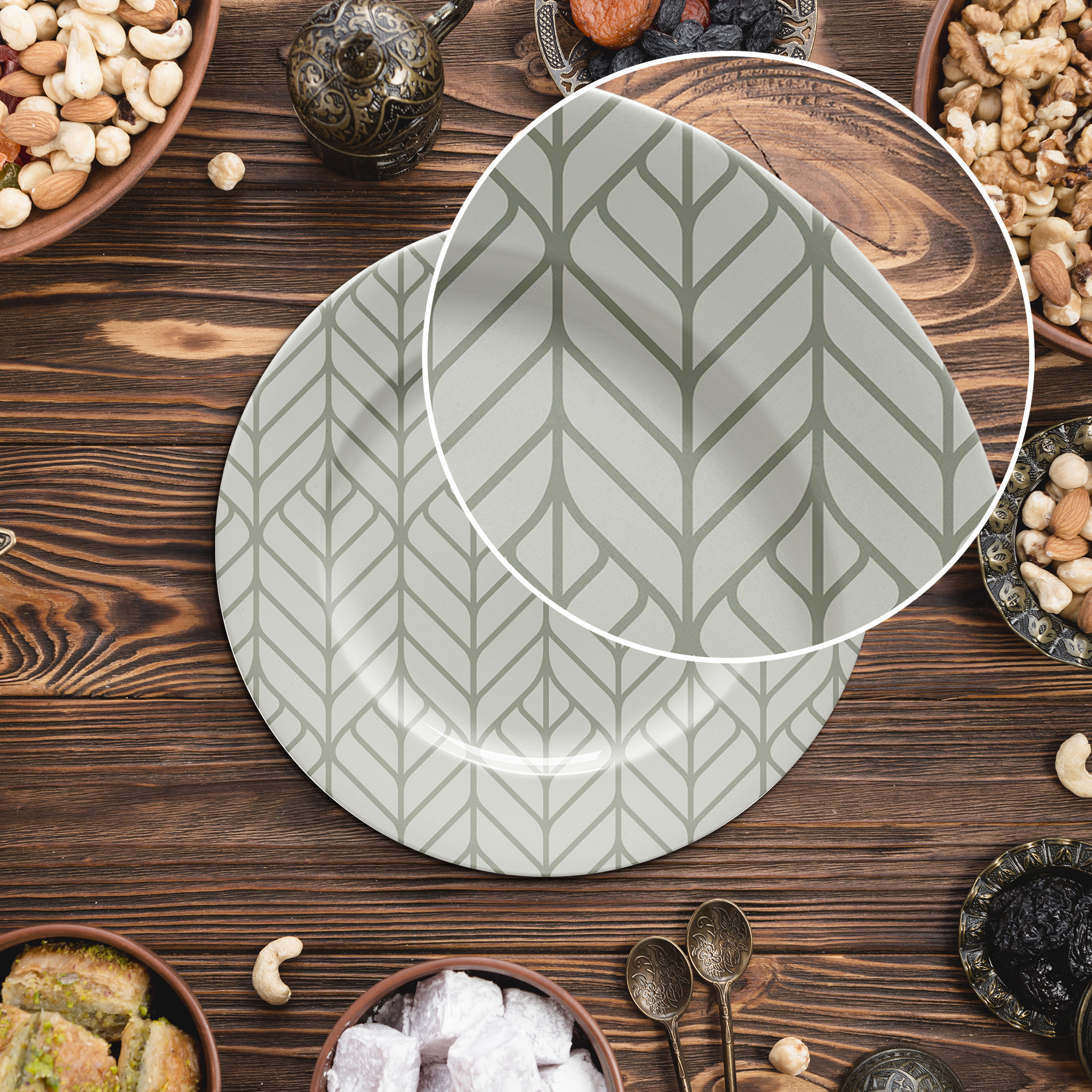 Close Up Of a Free Plate Mockup PSD Template