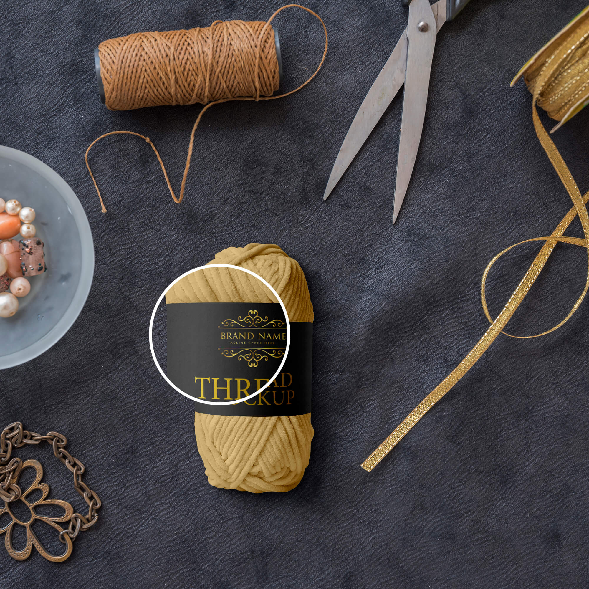 Close Up Of a Free Thread Mockup PSD Template