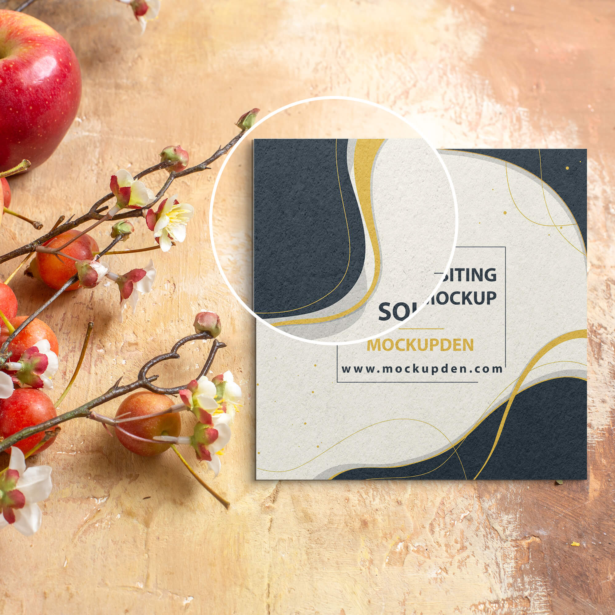 Close Up Of a Free Square Visiting Card Mockup PSD Template